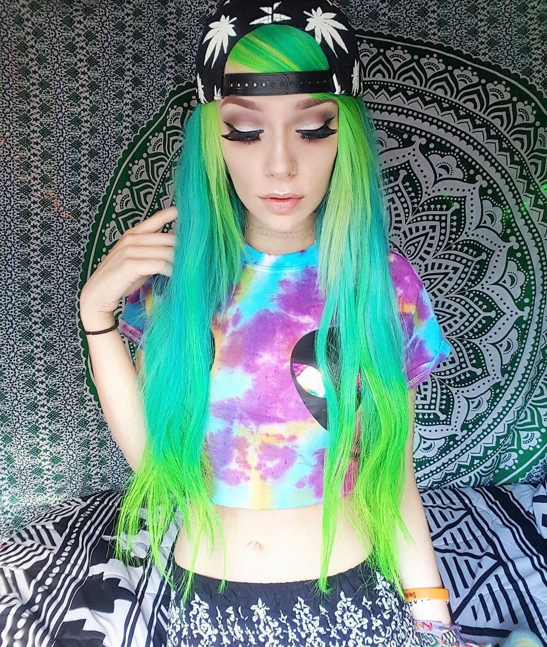 25 Green Hair Color Ideas You Have To See Colorful Hair Ideas