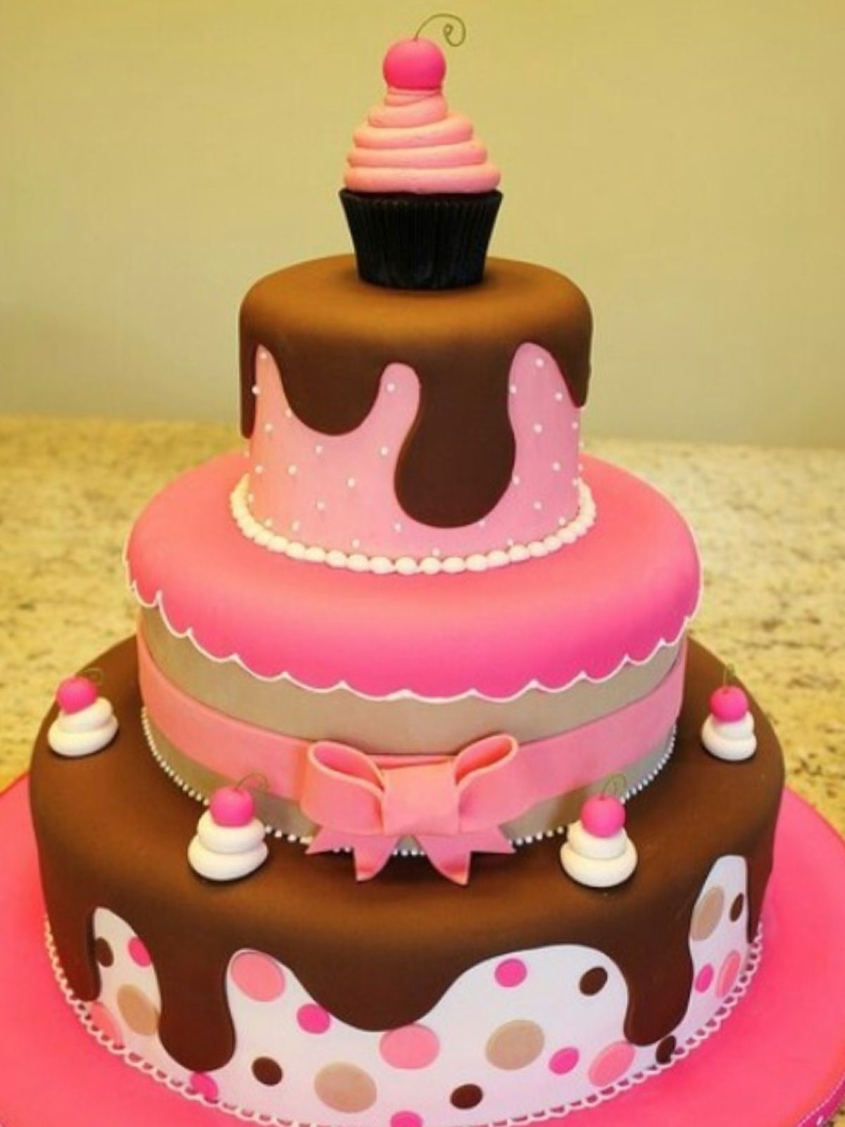 This cake was for my cousin!  She's turning 2 very soon!