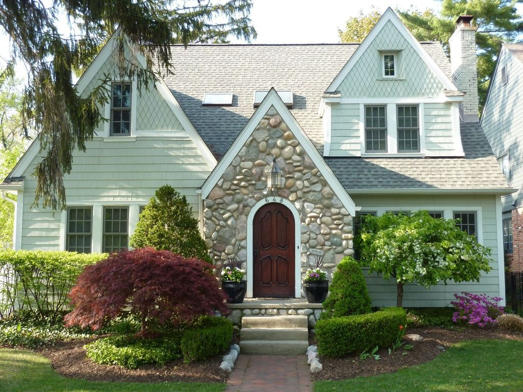 English Country Cottage For Sale In Michigan English Country Cottages Cottage Homes Cottage House Plans