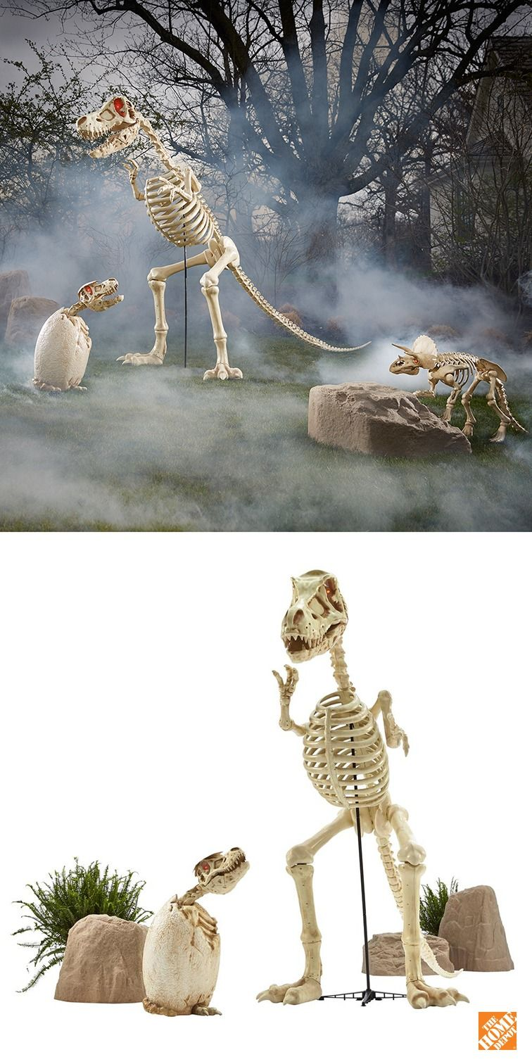 Take Your Halloween Back To Prehistory With A 9 Ft Tall Tyrannosaurus Rex Skeleton This Imposing Dinosaur Halloween Halloween Decorations Halloween Skeletons