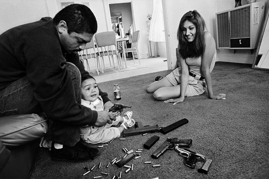 Chivos family, Boyle Heights, California 1993. © Joseph Rodriguez