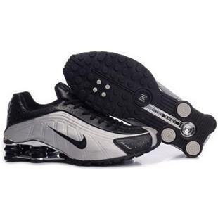 104265 078 Nike Shox R4 Black White J09131