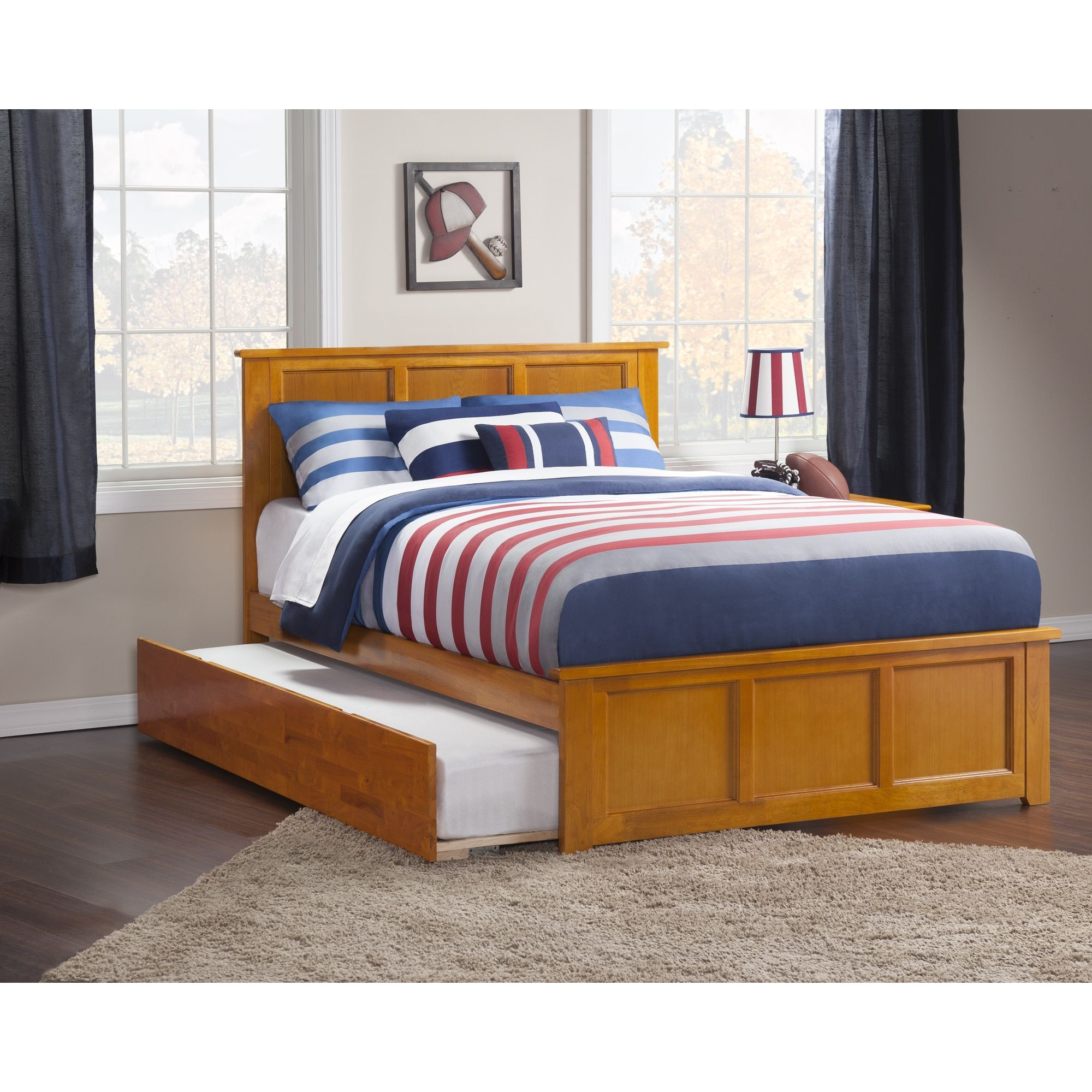 Madison Full Platform Bed with Matching Foot Board with