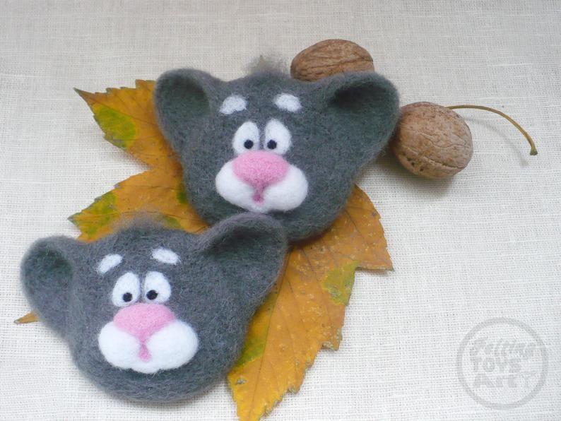 Gray Cat brooch, Miniature cat, Animal brooch, Felt brooch