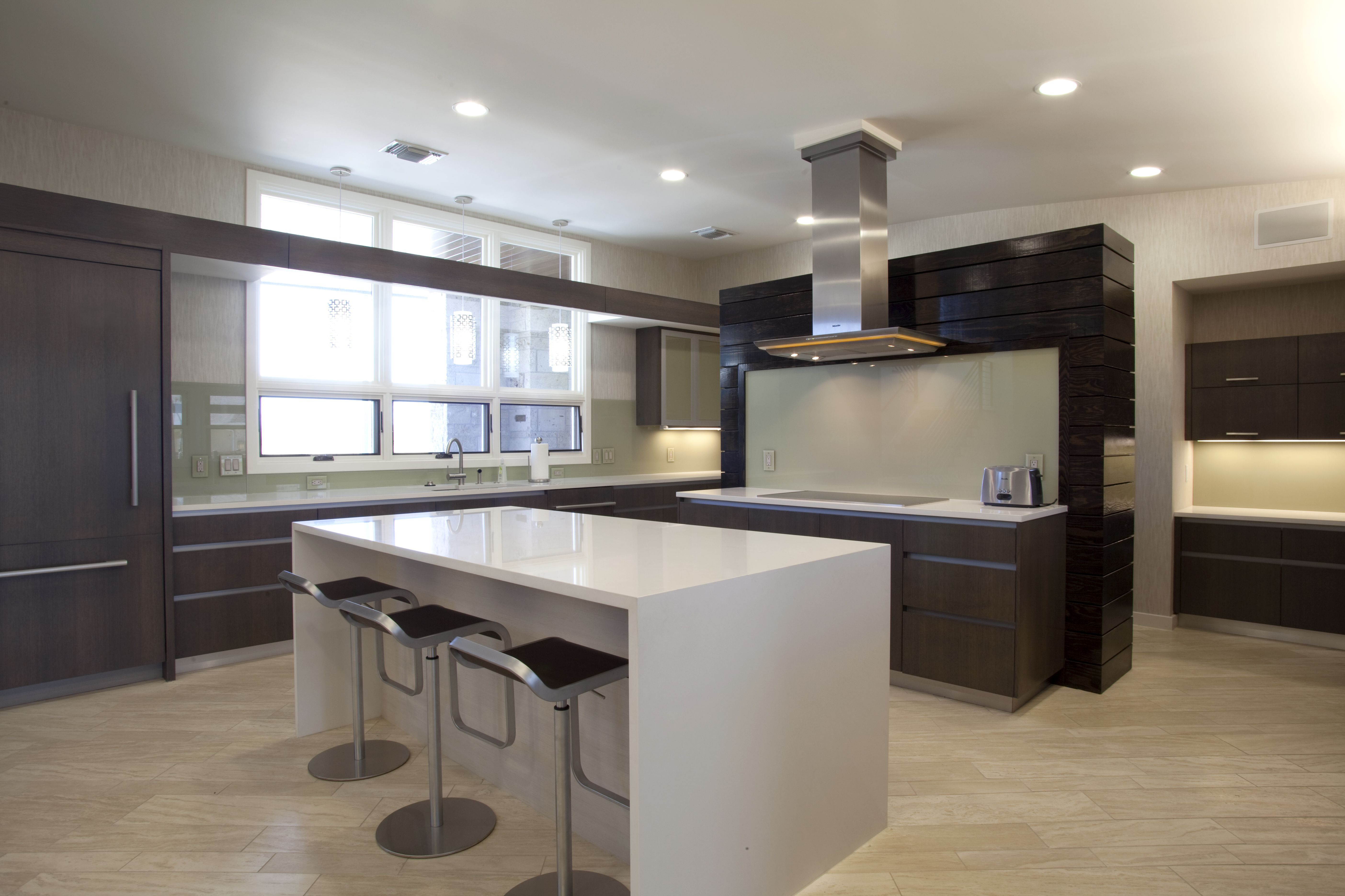 white quartz countertop in showing the luxurious kitchen white modern kitchen floor tiles modern - Modern Kitchen Counter