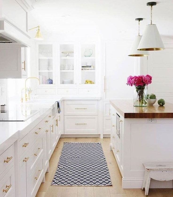 Dreamy white and gold kitchen with navy rug | Bedroom Decor Ideas ...