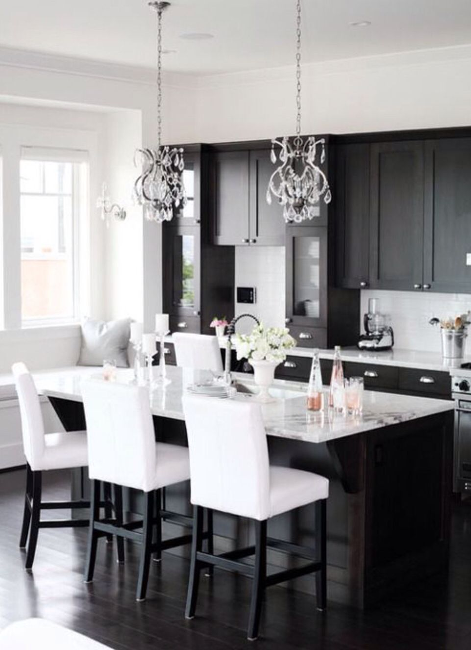 Black And White Dining Table White Kitchen Design Black White Kitchen Black Kitchen Cabinets