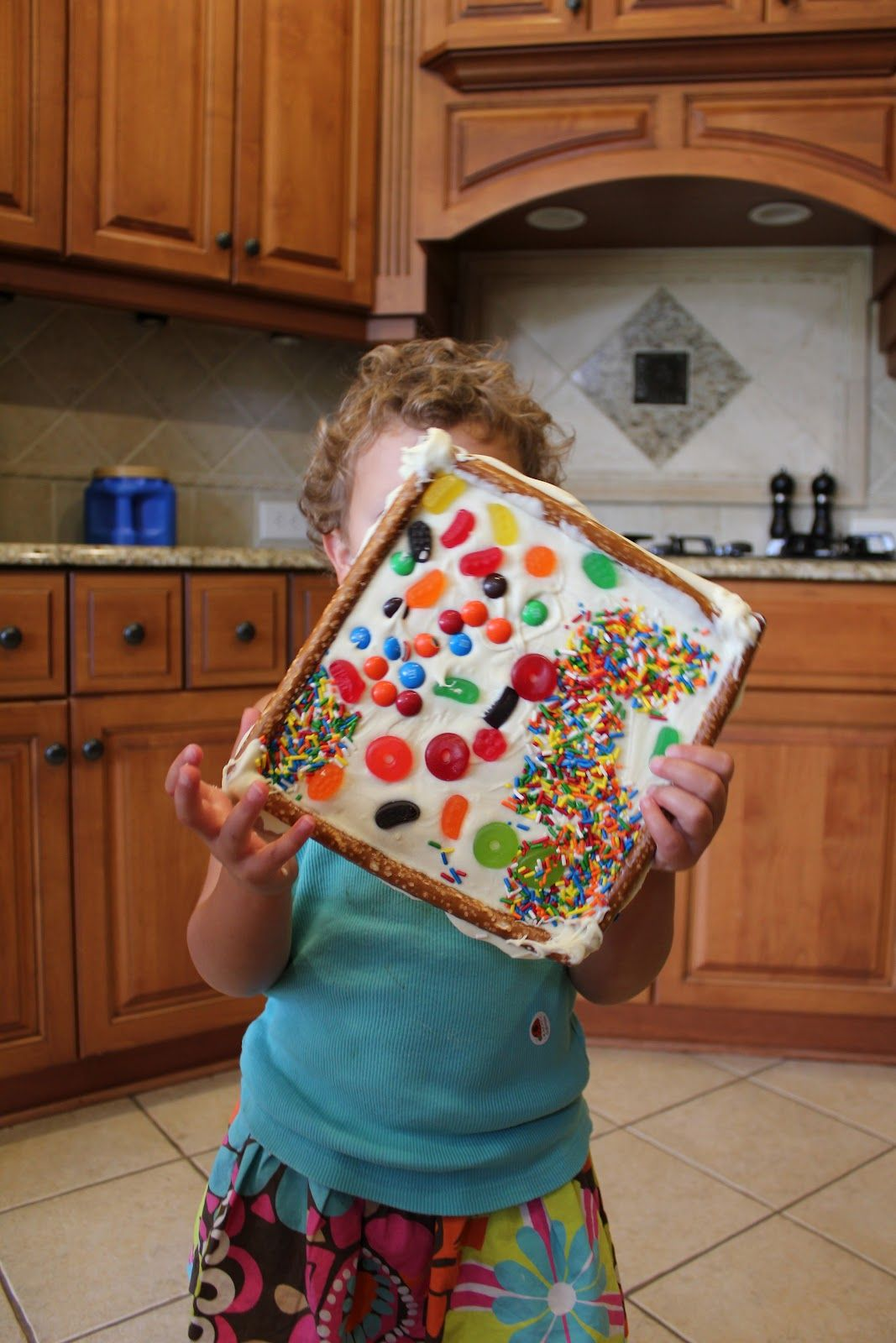 Edible Art Frames. I think Phoebe would love this!