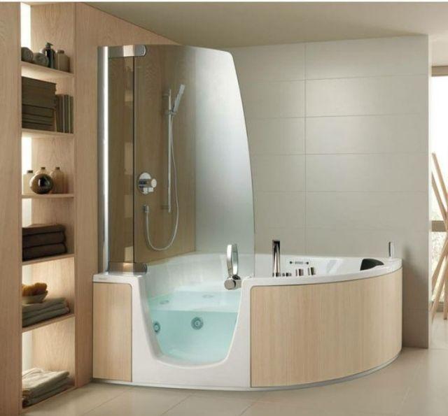Begehbare Eck Badewanne Design Holz Regale Handtücher