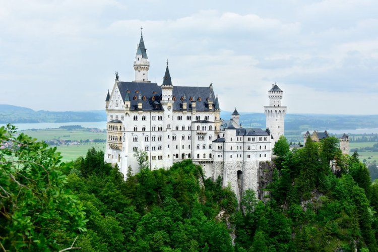 12 Castles To Fall In Love With Neuschwanstein Castle Germany Castles European Castles