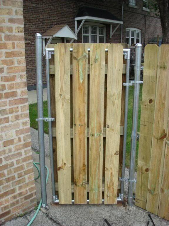 Plain Metal And Wood Fences Fence With Post Building Construction Diy Chatroom Home Improvement Intended Decor
