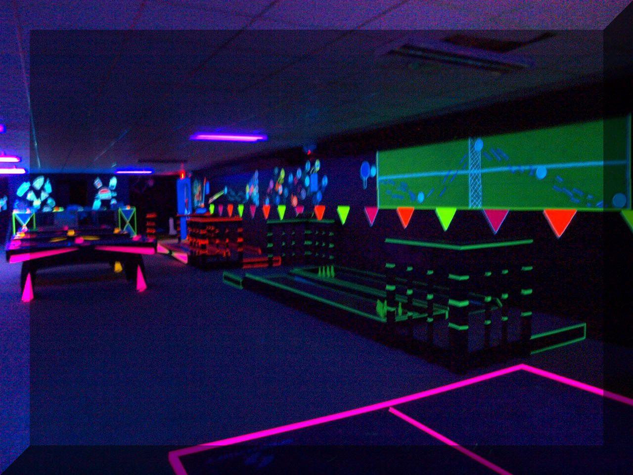Bedroom glow blacklight party black lights blacklight bedroom - Game Room Inspiration Love