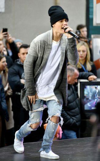5796ed3162a Celebrities Wearing Vans Sneakers  Justin Bieber