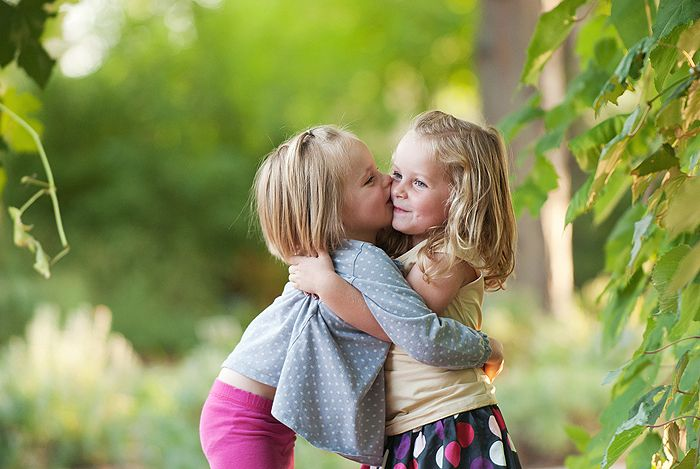 Tricia bagley photography child photographer utah photographer children sisters twins