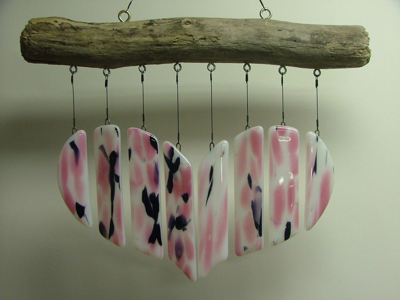 Crooked River Ranch Glass Art offers gorgeous wind chimes, glass pendants