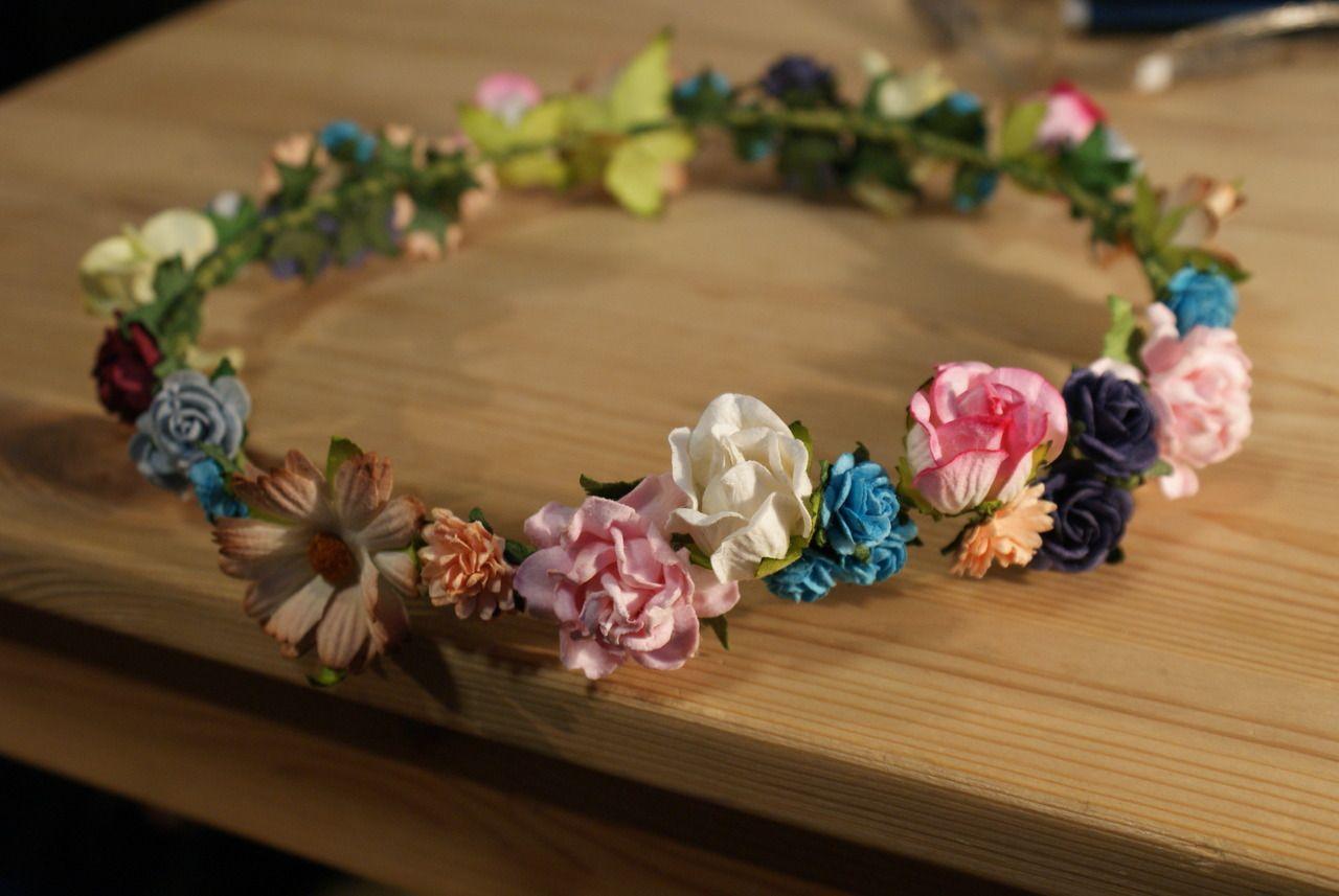 como hacer coronas de flores buscar con google