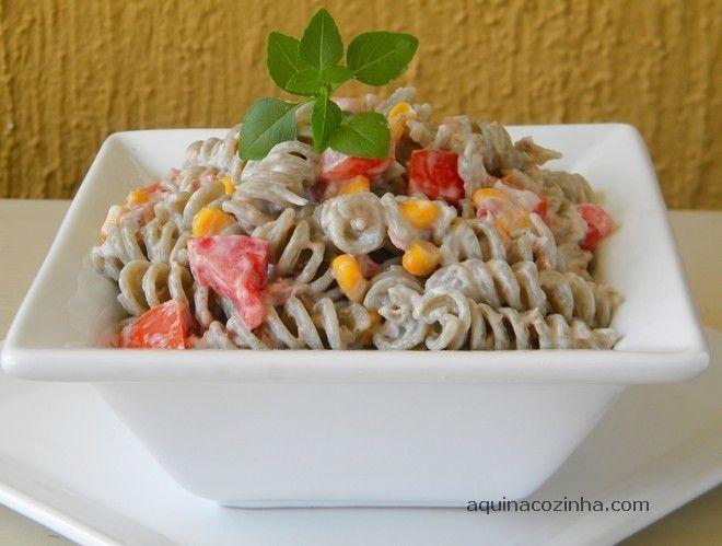 Salada de macarrão com maionese