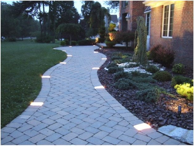 profile path lighting. sidewalk