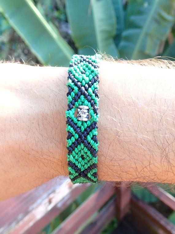 Bracelet macramé et Perle Métal par BraceletDuFenua sur Etsy