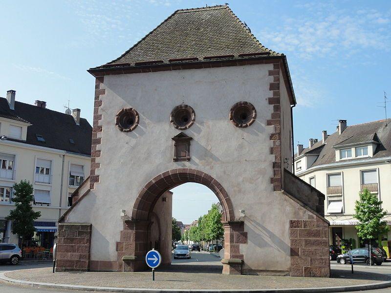 Haguenau Bas Rhin Porte De Wissembourg Xiv Xveme Siecle Maisons Anciennes Paysage Vieille Pierre