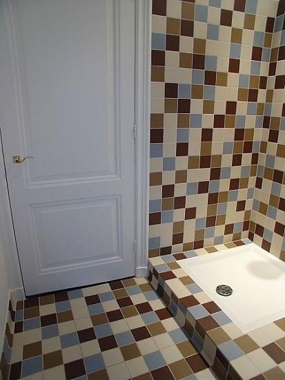 renovatie jaren 60 badkamer emmeloord: tegels op de vloer zijn van, Badkamer