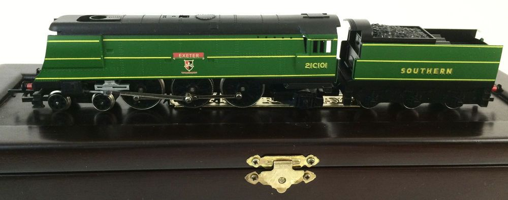 hornby limited ed r320 sr west country class exeter train. Black Bedroom Furniture Sets. Home Design Ideas