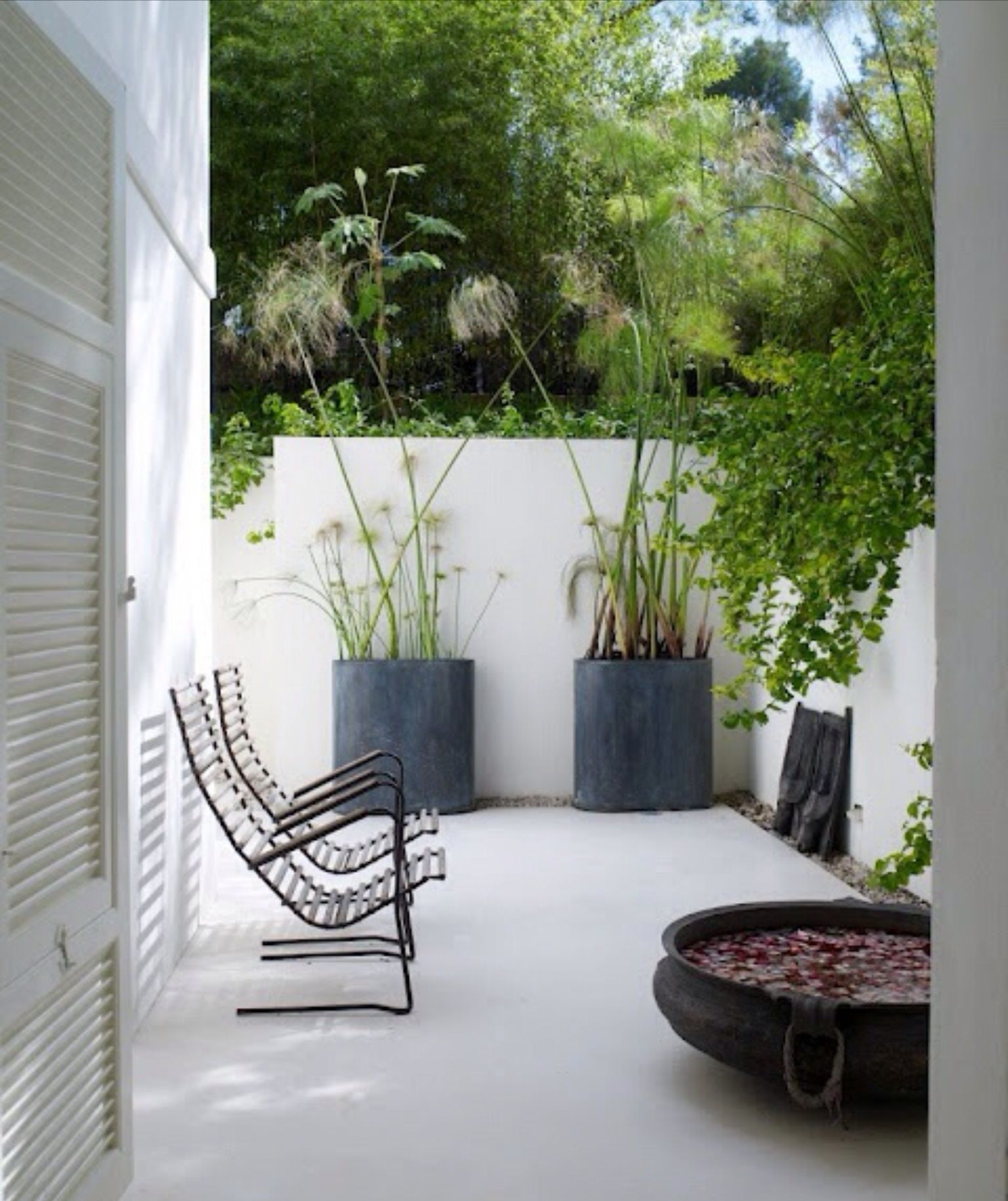 Contemporary | Minimalist garden, Garden spaces, Small ...