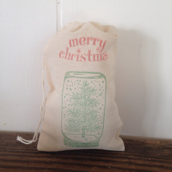 A Cute touch to your holiday party. Christmas Party Favor Bags Snow Globe 10 Cotton Muslin Bags by SweetThymes