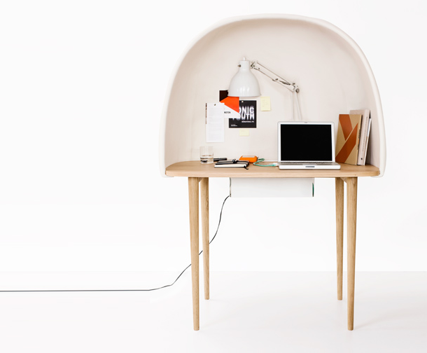 Bureau bulle en bois rewrite ligne roset furnishing