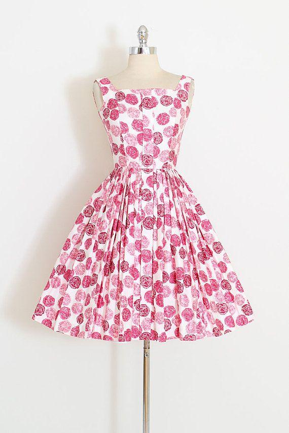 Vintage 1950s Dress Darling United Kingdom Medallion Print Shades Of Pink On Brushed Co Vintage 1950s Dresses Vintage Dresses 50s Vintage Summer Dresses