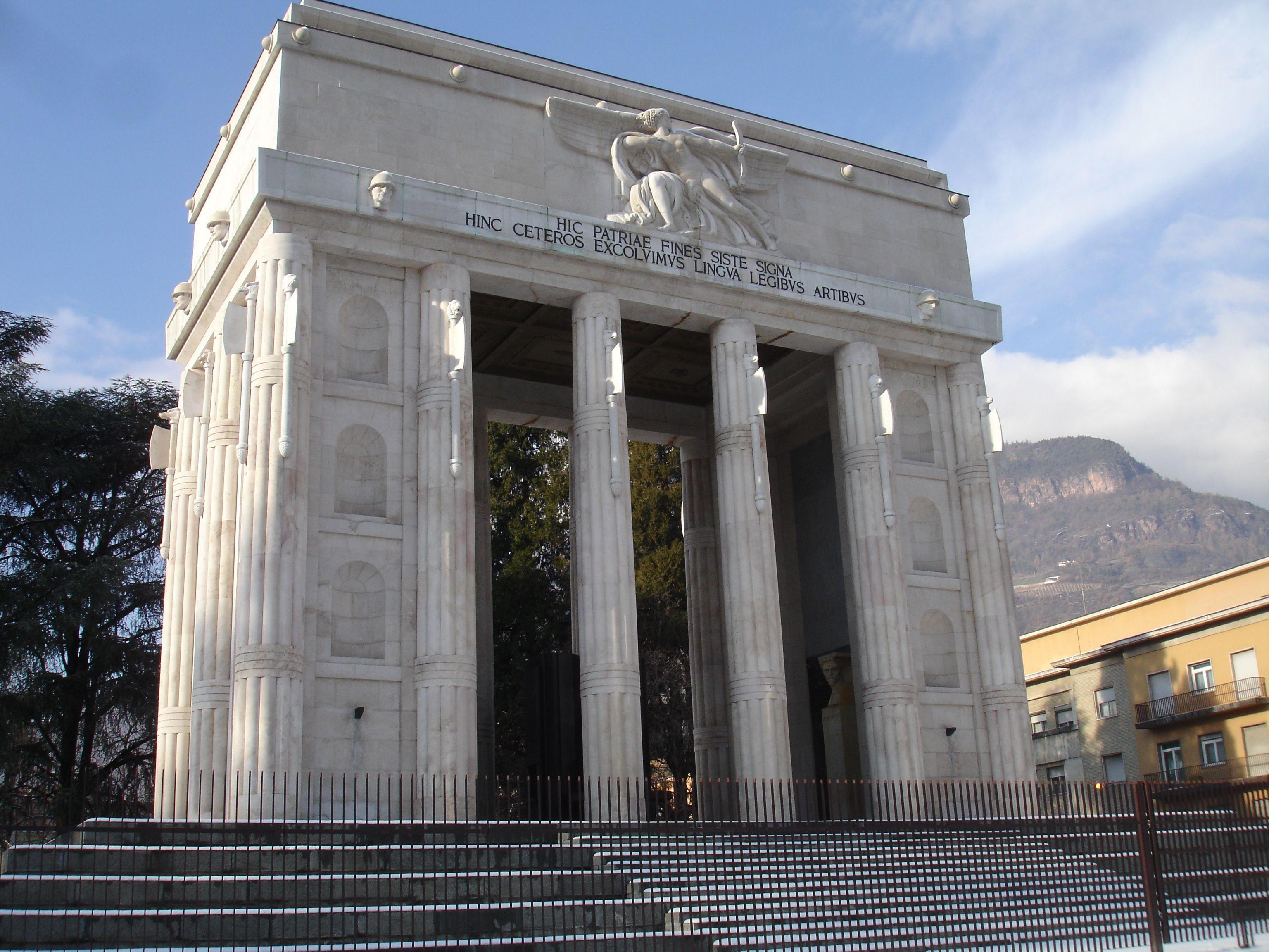 Monumenti D Italia Marcello Piacentini 1926 28 Monumento Alla Vittoria Bolzano Italy Photo By Tiziano Astolfi C 2012 Monumento Italia Monumenti