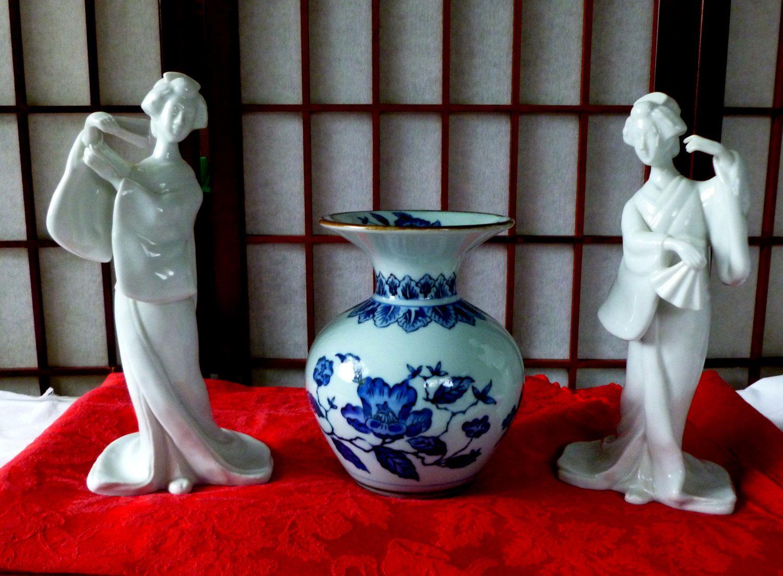 Vintage toyo japan ikebana blue and white vase by vintage42day on vintage toyo japan ikebana blue and white vase by vintage42day on etsy floridaeventfo Choice Image