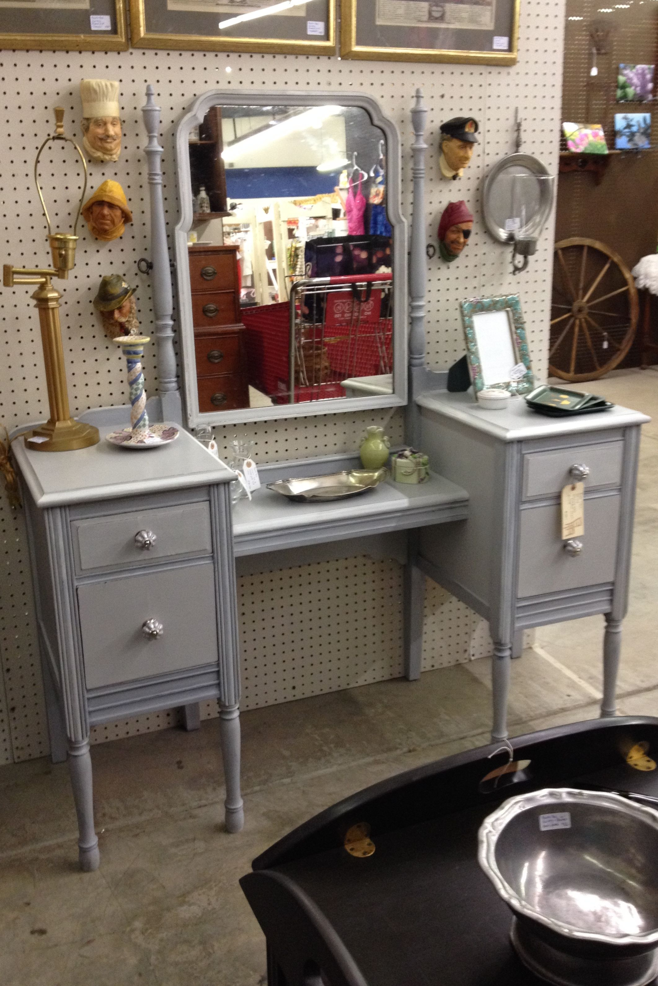 Dressing Table Painted With Annie Sloan Chalk Paint Paris Grey  # Muebles Acabado Wash