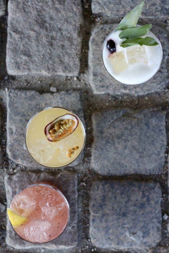 Weekend på Stenbroen er lig med cocktails og snacks i lange baner
