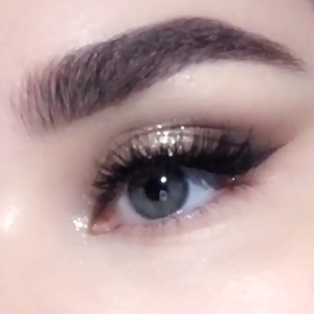 Photo of Everyday Golden Smoky Eye Makeup