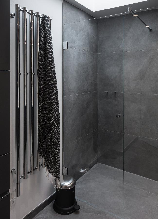 badeværelse fliser Image result for bad fliser grå | badeværelse inspiration in 2018  badeværelse fliser