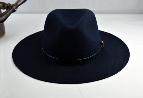 Timeless western style with sophisticated charm. This outdoor fedora  promises to accompany you everywhere. At a glance  - Classic hat design -  Pure wool ... 2a5eb4310dc