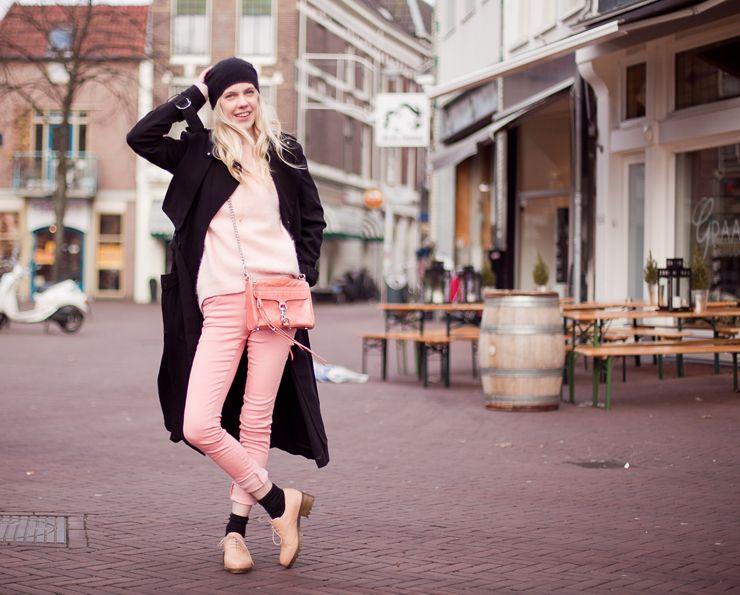 любимый розовый и внимание на цвет ботинок