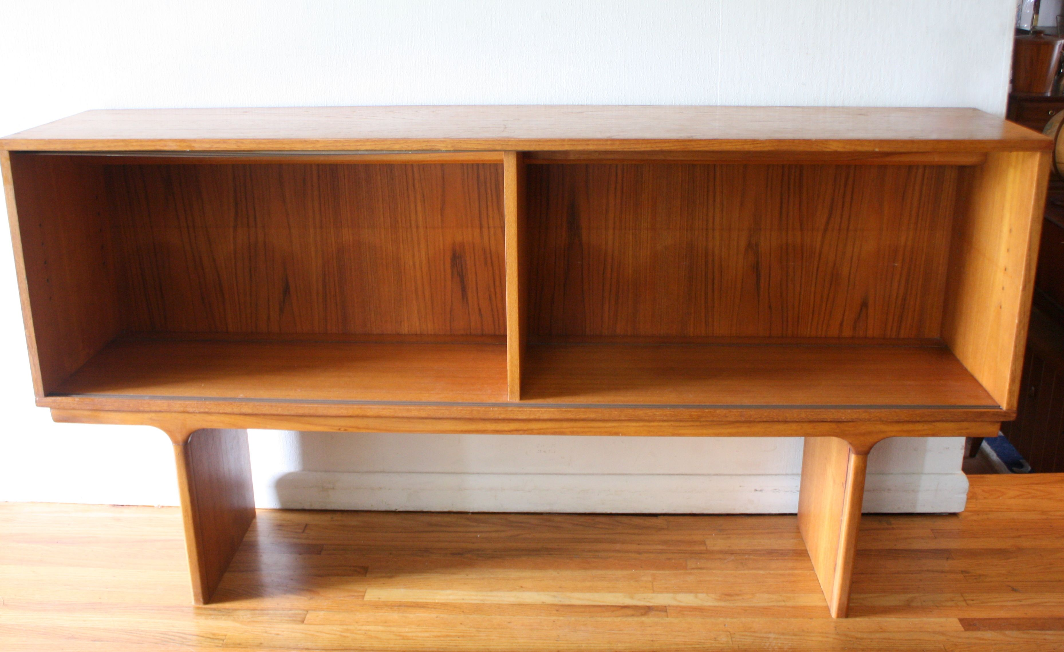 Mid Century Modern Teak Bookshelf From The Dixies Scova Collection