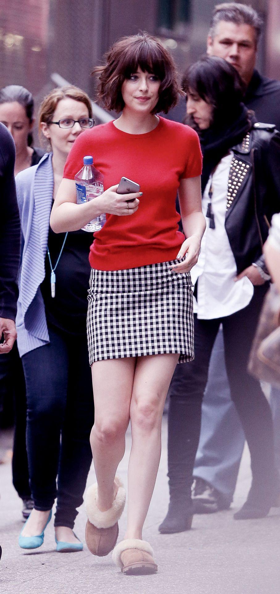 Dakota Johnson On Set Of How To Be Single In Ny  18 May 2015