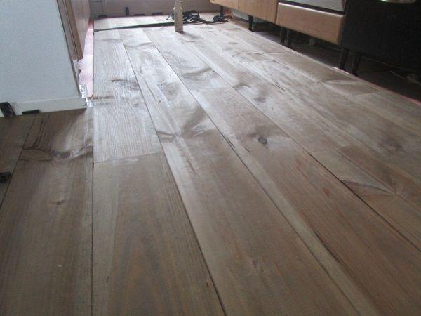Grenen houten vloer vergrijsde look grenen planken vloeren