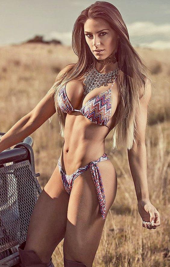 hot-gils-with-bikini-free-pics