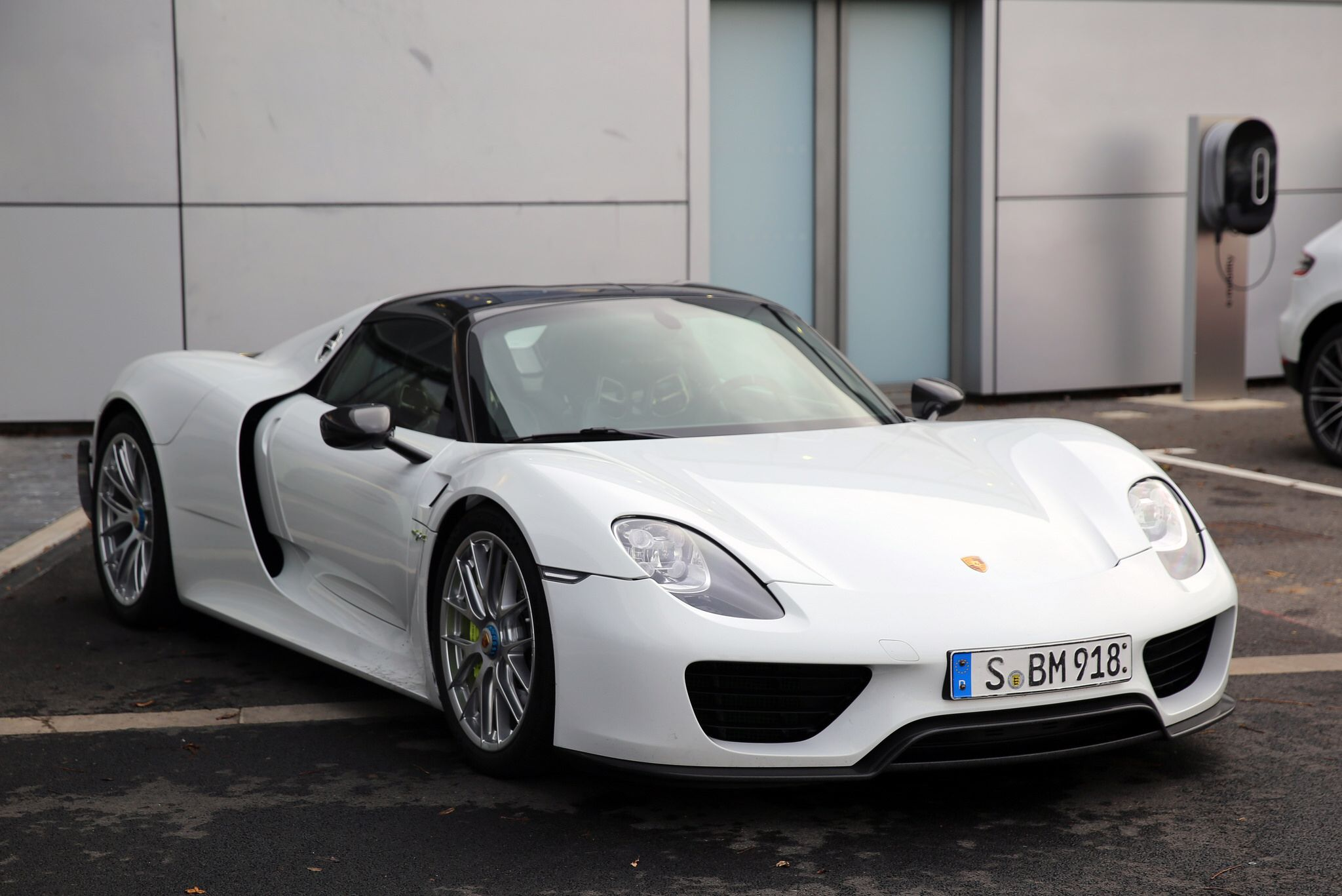 99feb5dcc1db123f6169f0f9219c815b Fascinating Porsche 918 Spyder Blue Flame Exhaust Cars Trend