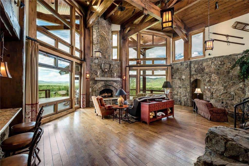 Warm and inviting ranchstyle home surrounded by beauty in