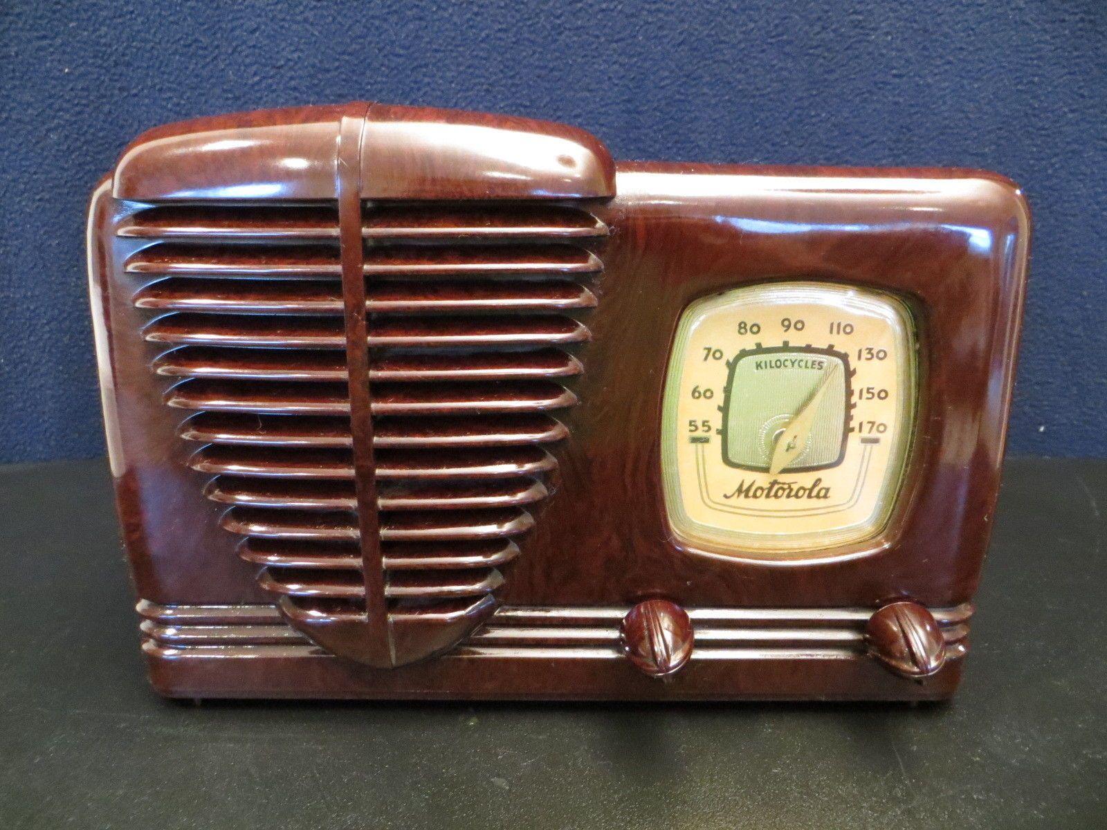 Vintage 40s Motorola Art Deco Old Bakelite Mid Century Automotive Antique Radio Ebay Vintage Radio Antique Radio Retro Radios