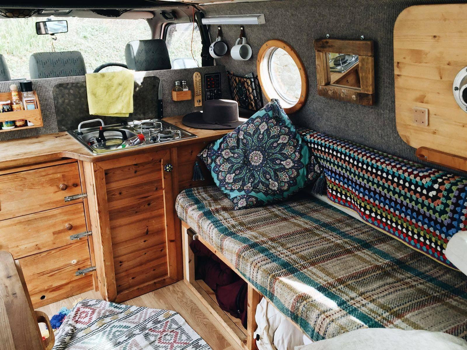van int rieur cosy travel pinterest camion amenager vivre et camping car. Black Bedroom Furniture Sets. Home Design Ideas