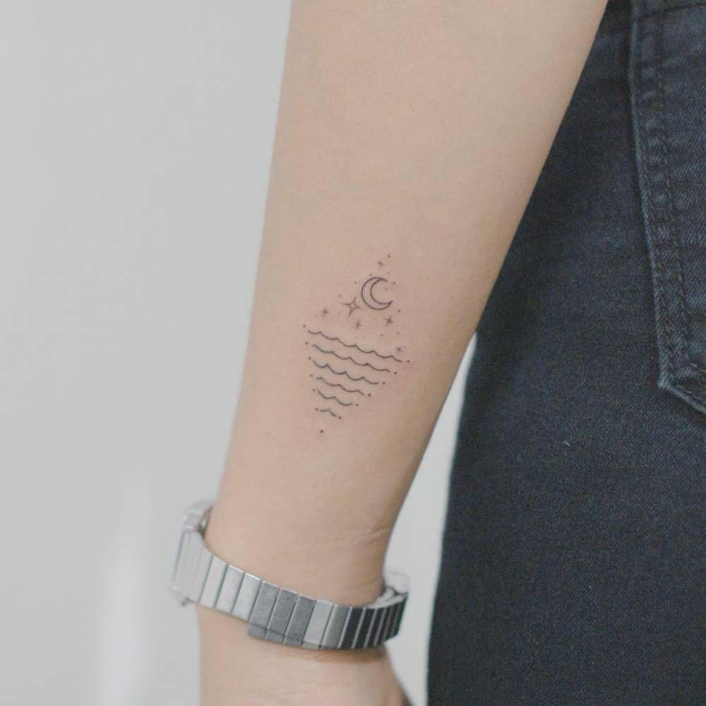 Tatouage croissant de lune galerie tatouage - Tatouage de lune ...