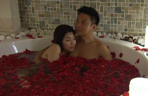 Netizens Praise Mandy Wong and Chin Ka Lok's Bath Scene in ...