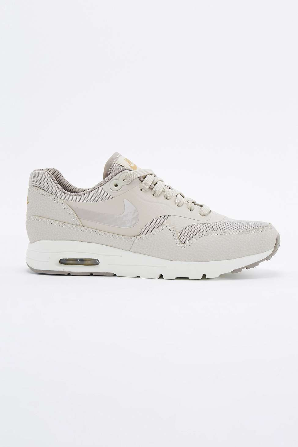 nike air max 1 essential beige trainers