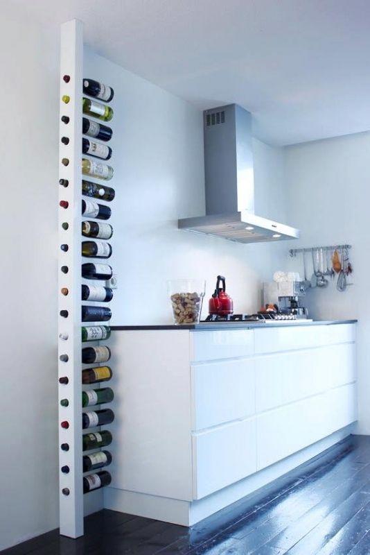 Enkelzijdige Wijnpaal plafondhoogte 230 cm - 260 cm voor 20 flessen wijn